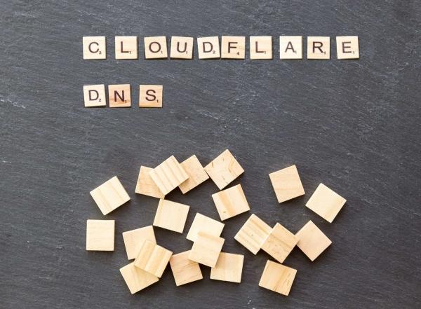 Kaip pasigreitinti jūsų interneto greitį su 1.1.1.1 DNS paslauga, kuri taip pat garantuoja saugų naršymą